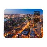 El horizonte de Boston en la oscuridad Iman