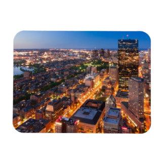 El horizonte de Boston en la oscuridad Imán De Vinilo