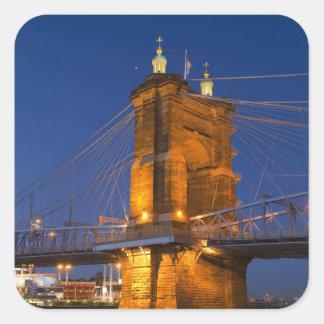 El horizonte de Cincinnati, Ohio, los E.E.U.U. en Pegatina Cuadrada