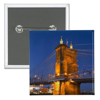 El horizonte de Cincinnati, Ohio, los E.E.U.U. en  Pin Cuadrado