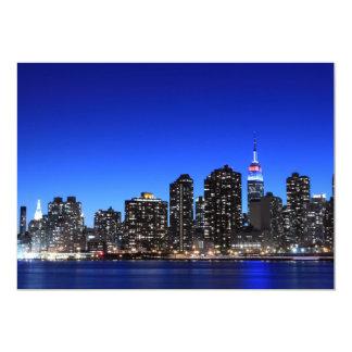 El horizonte de New York City en la noche se