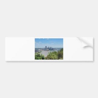 El horizonte de Pittsburgh del West End pasa por
