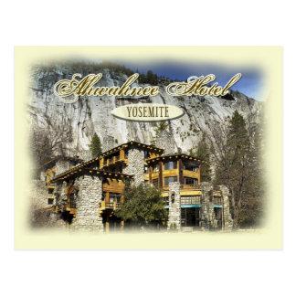 El hotel histórico de Ahwahnee, Yosemite, CA Postales