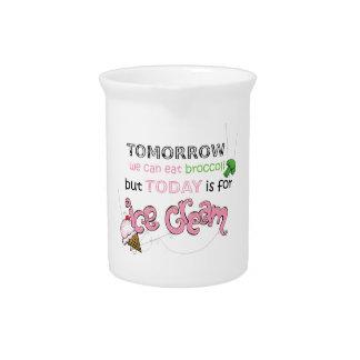 El hoy está para la cita del helado jarras