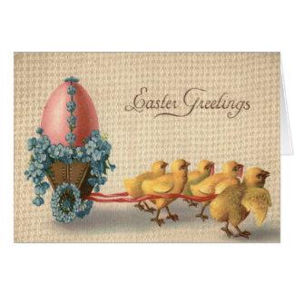 El huevo coloreado carro del polluelo de Pascua me