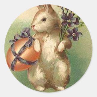 El huevo de Pascua del conejito de pascua del Pegatina Redonda