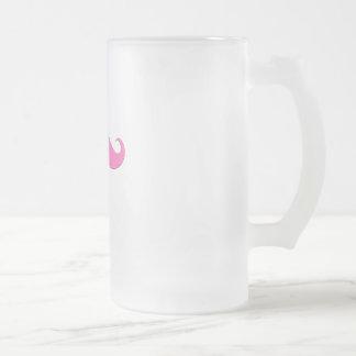 El humor rosado del bigote crea sus los propios taza de cristal
