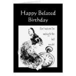 El humor tardío del cumpleaños esperó el conejo li felicitación