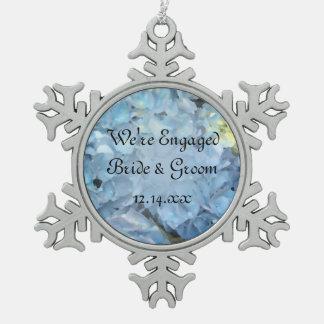 El Hydrangea azul florece el compromiso Adorno De Peltre En Forma De Copo De Nieve