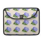 El Hydrangea púrpura florece el modelo del vintage Funda Para Macbook Pro