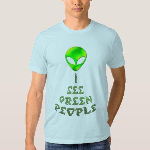 El *I considera la camisa verde de People*