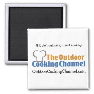 El imán de cocinar al aire libre del canal