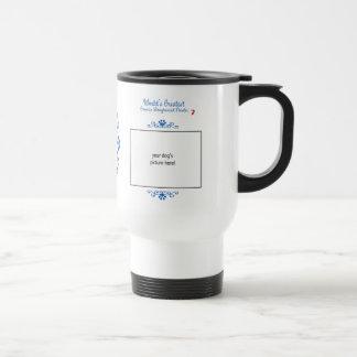 El indicador de pelo largo alemán más grande de lo taza de café