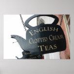 El inglés coaguló la muestra poner crema del té posters