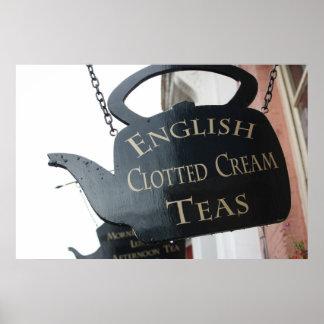 El inglés coaguló la muestra poner crema del té póster