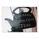 El inglés coaguló la muestra poner crema del té tarjeta de felicitación