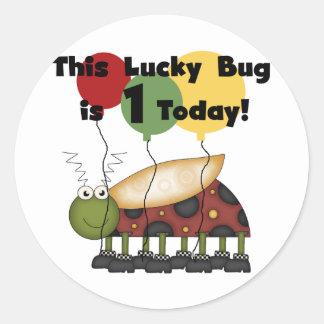El insecto afortunado es camisetas y regalos de un etiqueta redonda