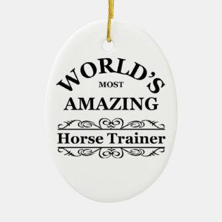 El instructor del caballo más asombroso del mundo adorno navideño ovalado de cerámica
