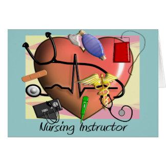 El instructor del oficio de enfermera le agradece  felicitaciones