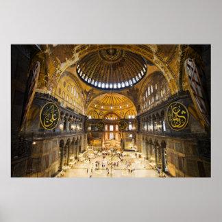 El interior de Hagia Sophia en Estambul Posters