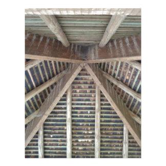 El interior de un tejado de madera membretes personalizados
