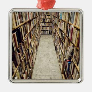 El interior de una librería de segunda mano Suecia Adorno Navideño Cuadrado De Metal