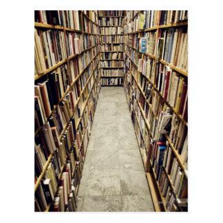 El interior de una librería de segunda mano Suecia Postal