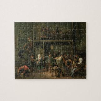 El interior de una taberna con un par que baila a puzzle con fotos