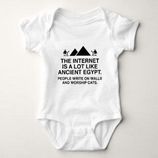 El Internet es mucho como Egipto antiguo Mameluco De Bebé
