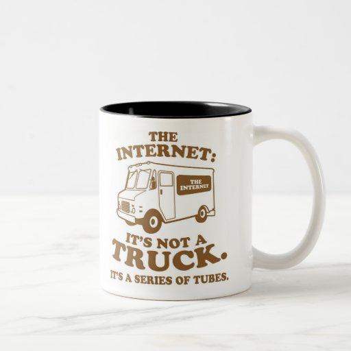 el Internet no es un camión. Es una serie de tubo Tazas