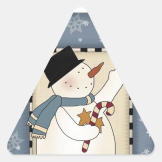 El invierno del día de fiesta desea el muñeco de pegatinas de triangulo personalizadas