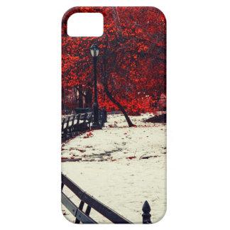 El invierno resuelve la caída en Central Park NYC iPhone 5 Case-Mate Cárcasas