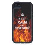 "el iPhone 5/5S ""guarda calma que soy caso bombero"" iPhone 5 Fundas"