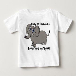 El ir a la camiseta del niño del elefante de la
