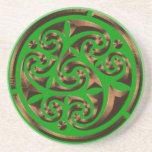 El Irlandés-estilo céltico del anillo bebe el prác Posavaso Para Bebida
