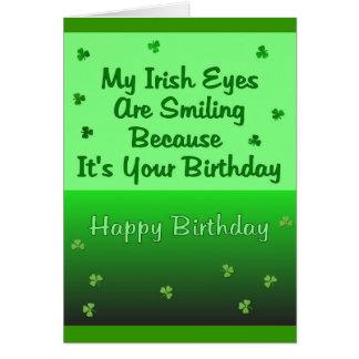 El irlandés observa cumpleaños tarjeta de felicitación