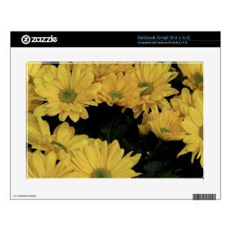 El jardín amarillo de las margaritas florece la pi netbook pequeño calcomanías