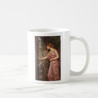 El jardín del Cupid que entra de la psique Taza De Café