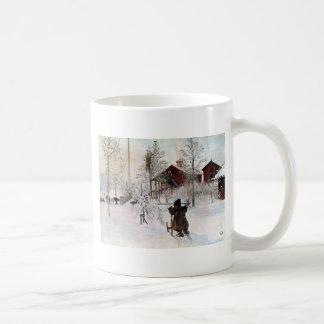 El jardín y la casa del lavado en la nieve taza clásica