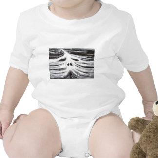 El jefe del leviatán (surrealismo blanco y negro) camisetas