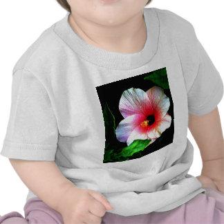 El jGibney Hibiscus72 de la serie de Artitst del M Camisetas