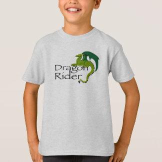 El jinete del dragón embroma la camisa