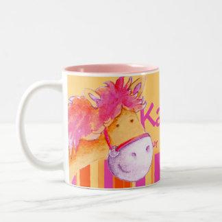 El jinete rosado del caballo del campeón del potro taza dos tonos