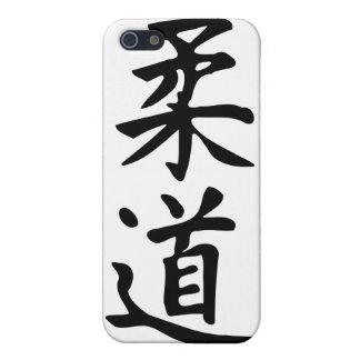 El judo de la palabra en letras japonesas del kanj iPhone 5 carcasas