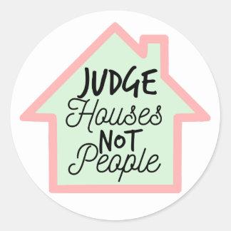 El juez contiene no al pegatina de la gente