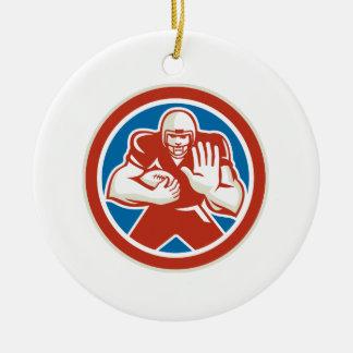 El jugador de fútbol americano mantiene apagado el adorno de navidad