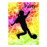 El jugador de fútbol en mosaico fluorescente invit anuncio personalizado
