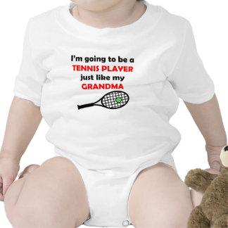 El jugador de tenis tiene gusto de mi abuela trajes de bebé