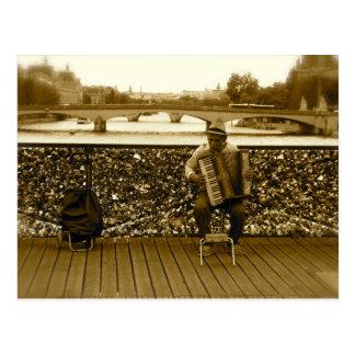 El jugador del acordeón - Pont des Arts, París Tarjeta Postal