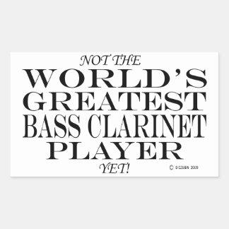 El jugador más grande del clarinete bajo todavía rectangular altavoz